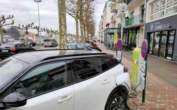 Borne électrique - Cours Dupont