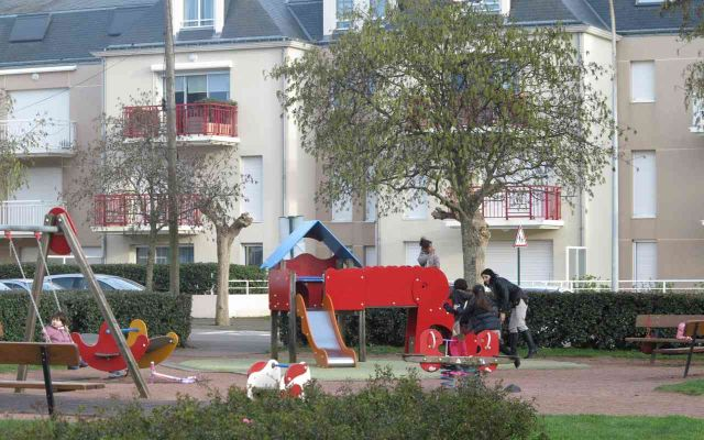 Playground - Square Bardy
