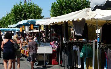 Markt im Cours Dupont