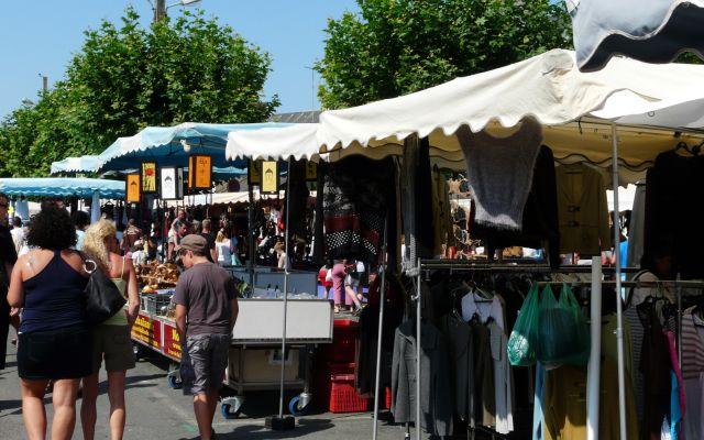 Markt Cours Dupont