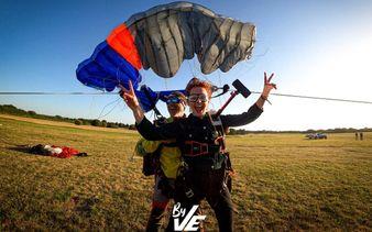 Saut en parachute - Vendée évasion Parachutisme - Saut en parachute - Vendée évasion Parachutisme