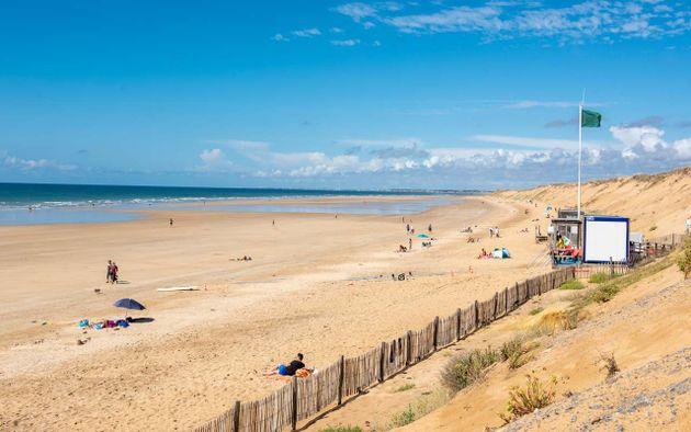 Plage de sauveterre - Les sables d olonne office de tourisme ...