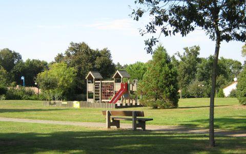 Aire de pique-nique - Parc de l'Auzance
