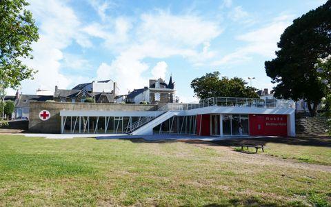 Aire de pique-nique à proximité du Blockhaus - Centre Culturel