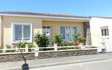 Haus Pool Immobilier Sablais MAIS F04223