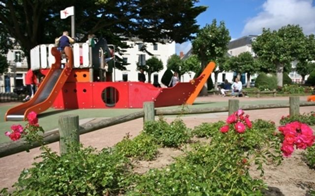 Playground - Square Jean Tesson