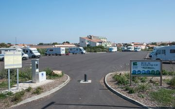 Motor-Home Facilities Port Olona