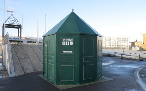 Toilettes - Base de mer